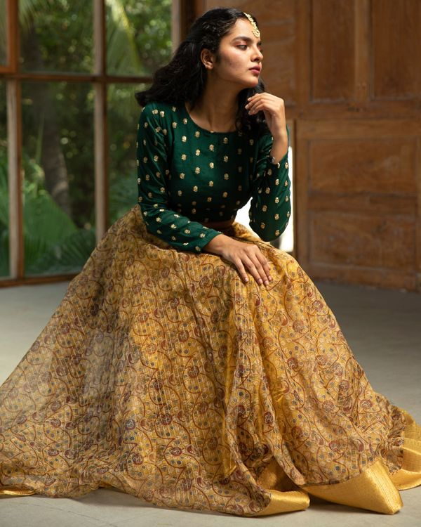 Green embroidered crop top and yellow organza skirt - set of two 2