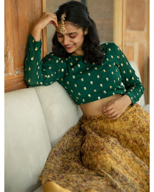 Green embroidered crop top and yellow organza skirt - set of two 1