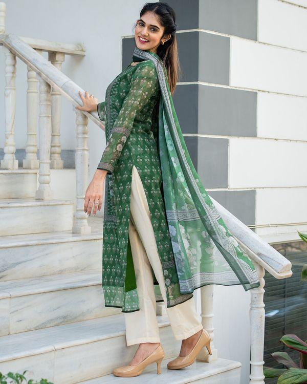 Green yoke suit set with dupatta - set of three 4
