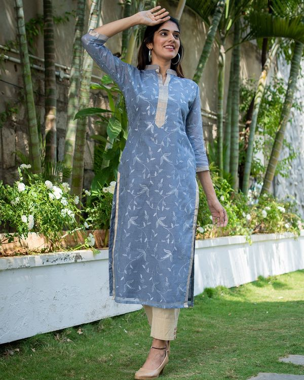 Grey embroidered kurta with dupatta - set of two 4