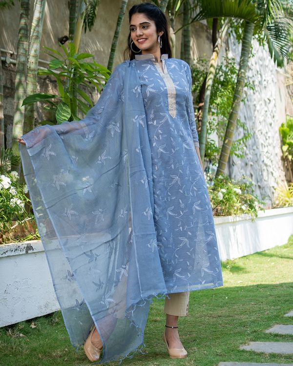 Grey embroidered kurta with dupatta - set of two 3