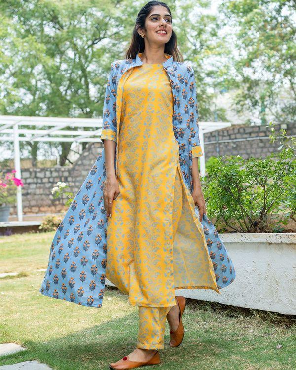 Yellow floral printed kurta set with jacket - set of three 2