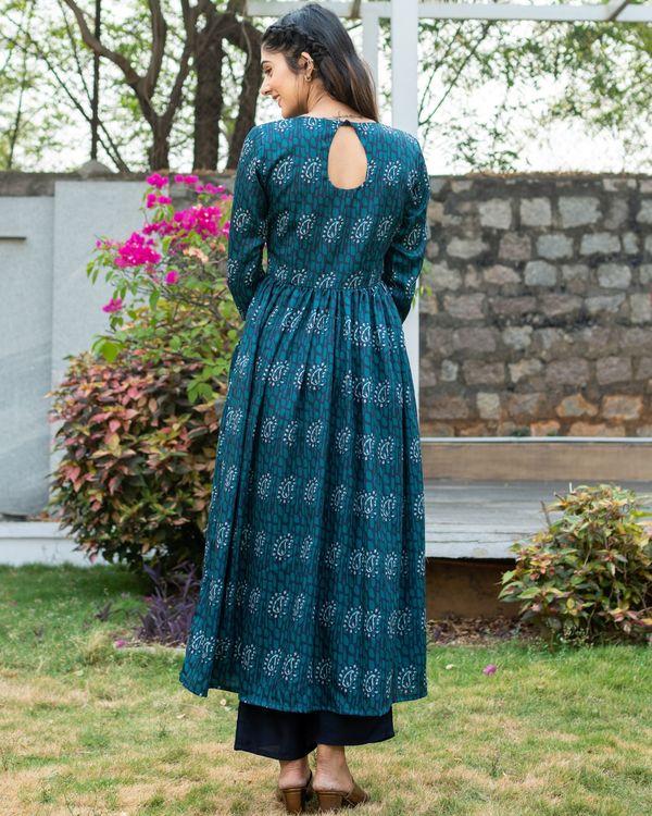 Bluish green paisley printed kurta with pants - set of two 3