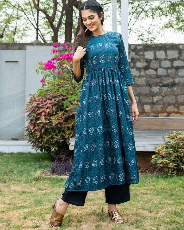 Bluish green paisley printed kurta with pants - set of two 2