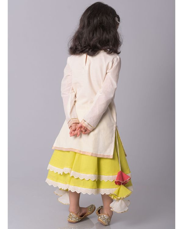 Off white zari kurta and lime banjara skirt - set of two 3