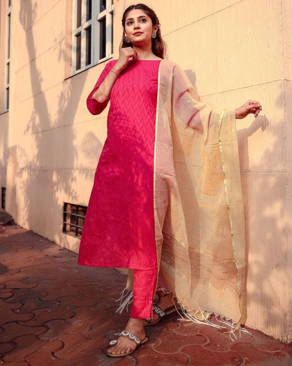 Deep pink kurta and pants with kota dupatta - set of three 3
