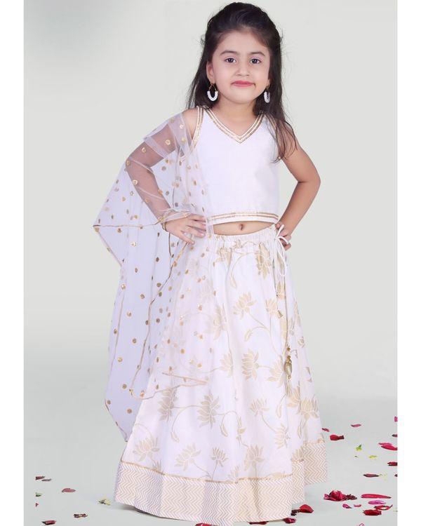 White choli and skirt with dupatta - set of three 1