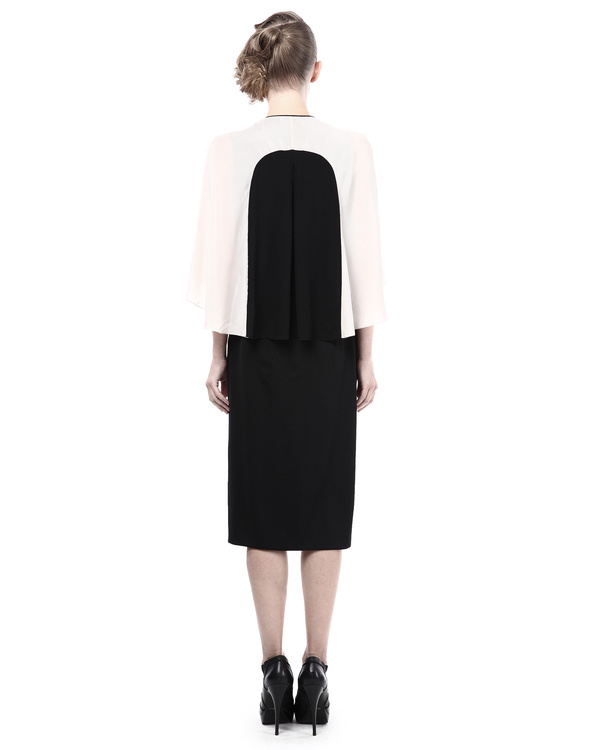 Color block fitted shirt with cape sleeves 2