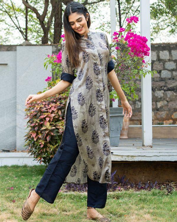 Blue and grey boota printed kurta with pants - set of two 1