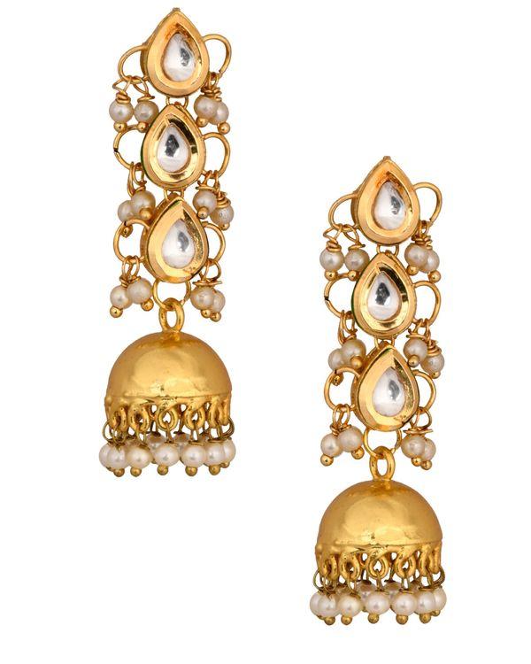 Thilak tiered kundan and pearl jhumkha 1