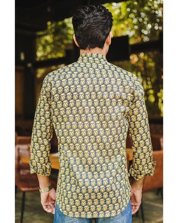 Grey and yellow petunia printed shirt 2
