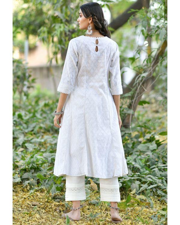 Off white jacquard cotton anarkali kurta set - set of three 3