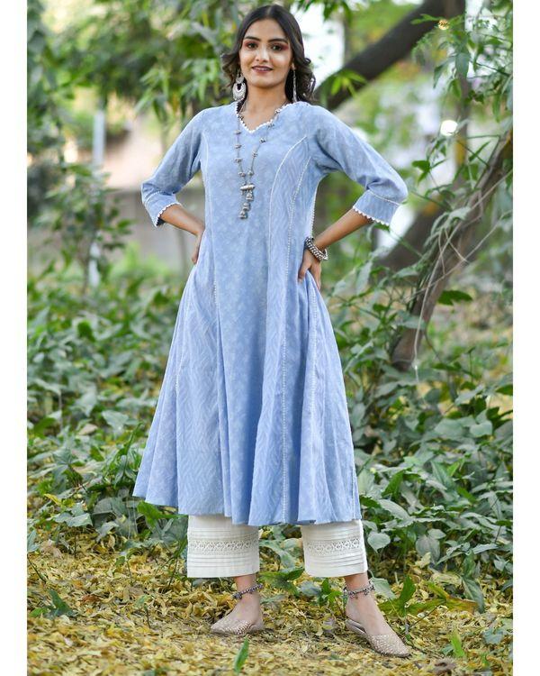 Blue jacquard cotton anarkali kurta set - set of three 2