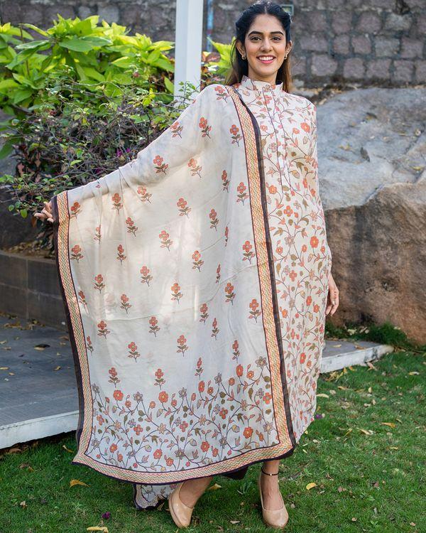 Beige and brown floral printed mandarin kurta with dupatta - set of two 3