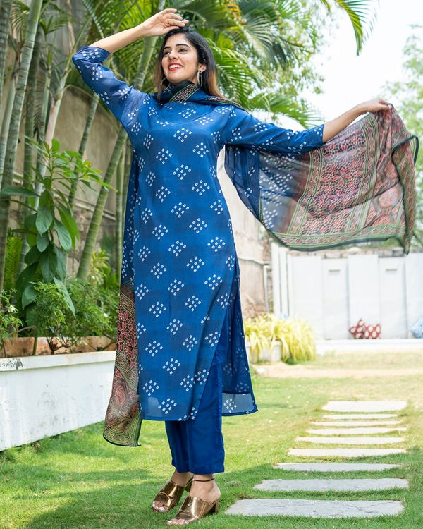 Blue bandhini kurta with organza dupatta - set of two 1