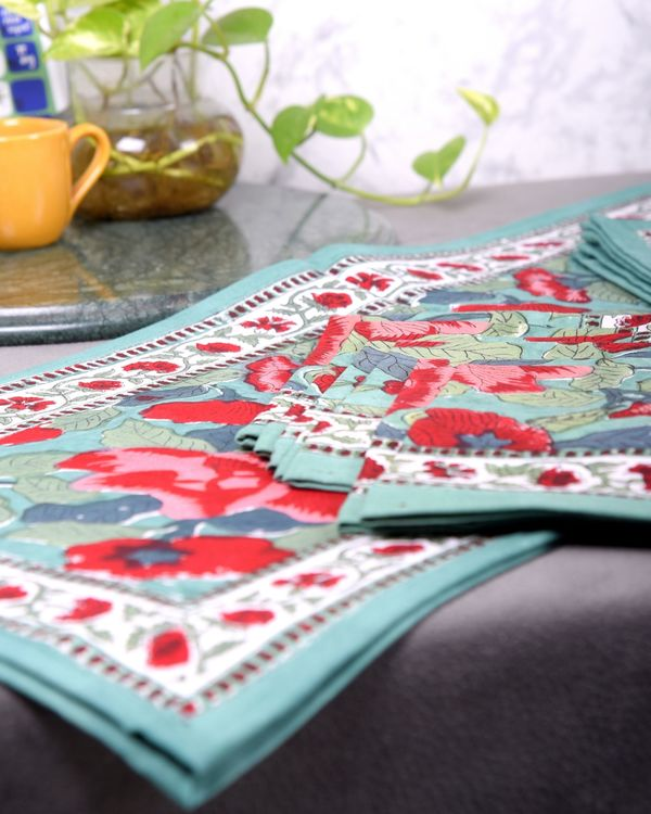 Red and green floral table runner, table mats and napkins - set of 13 2