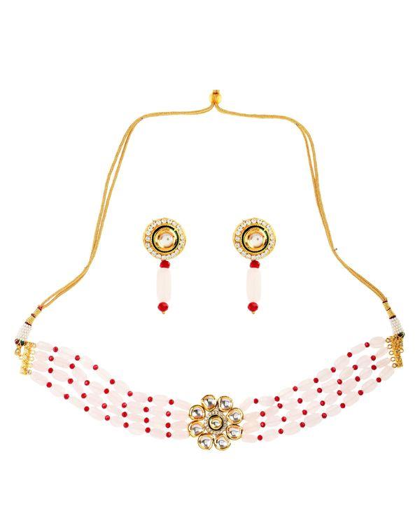 White kundan and onyx choker neckpiece with earrings - set of two 1