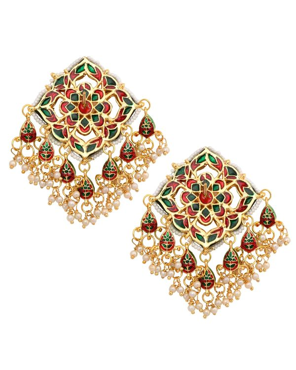 Floral engraved kundan and beaded earrings 2