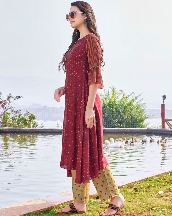 Maroon digital printed hand embroidered kurta and beige pants - set of two 2