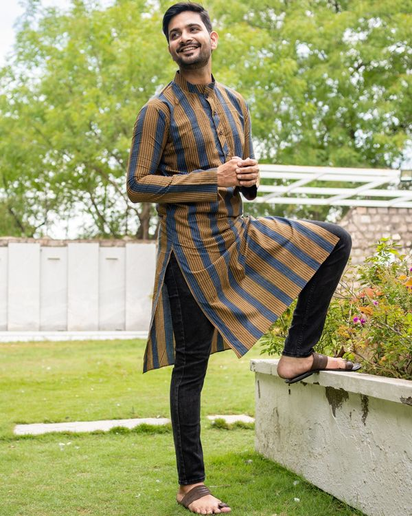 Brown and blue striped kurta with black pants - set of two 6