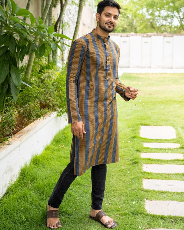 Brown and blue striped kurta with black pants - set of two 3
