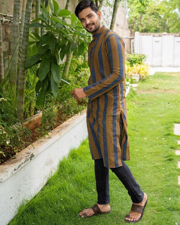 Brown and blue striped kurta with black pants - set of two 2