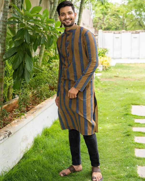 Brown and blue striped kurta with black pants - set of two 1
