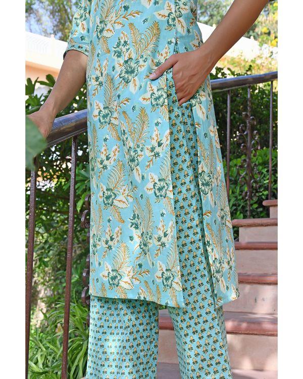 Sky blue buti stripe kurta with pants and dupatta - set of three 2