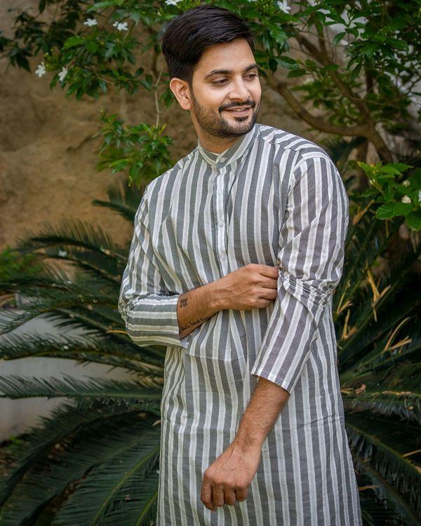 Grey and white striped printed kurta with white pyjama - set of 2 1