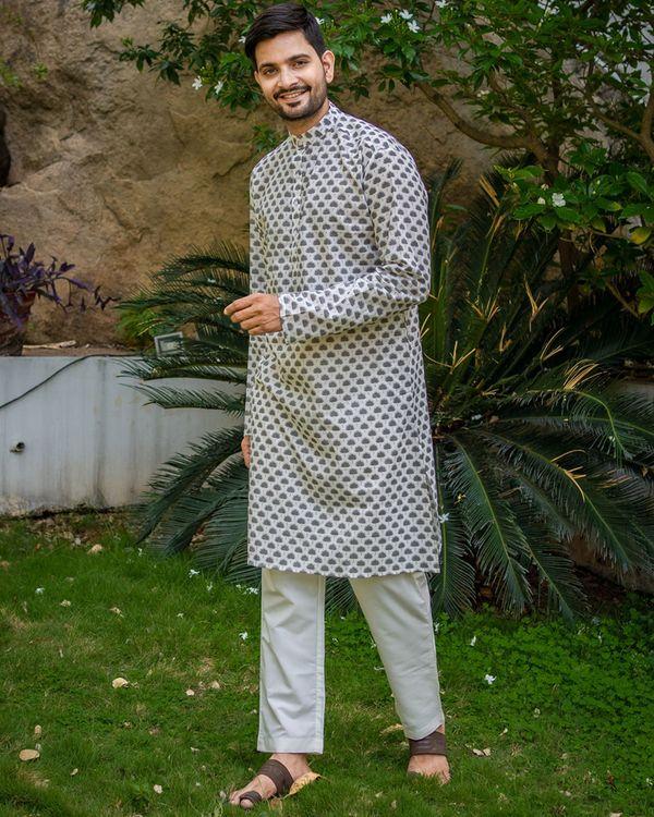 Grey boota printed kurta with white pyjama - set of 2 1