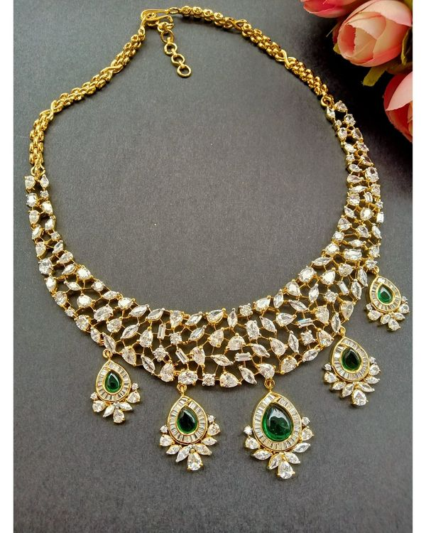 Green kundan and stone studded neckpiece with earrings - set of two 1