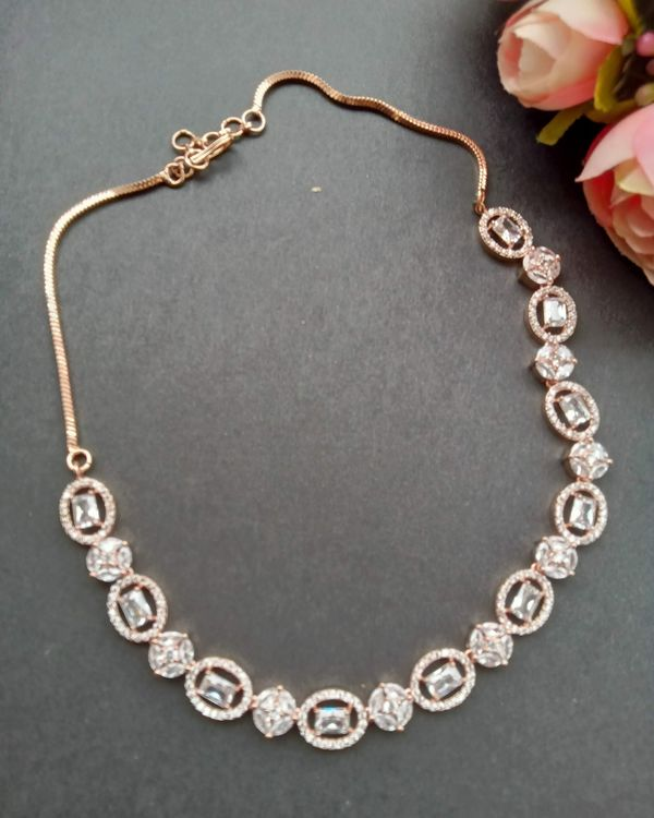 Rose pink oval stone neckpiece with earrings - set of two 1