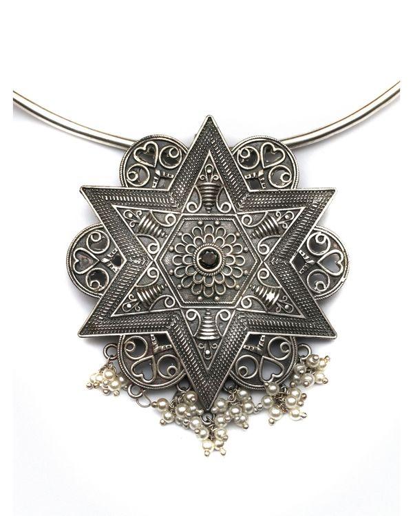 Star engraved neckpiece 2