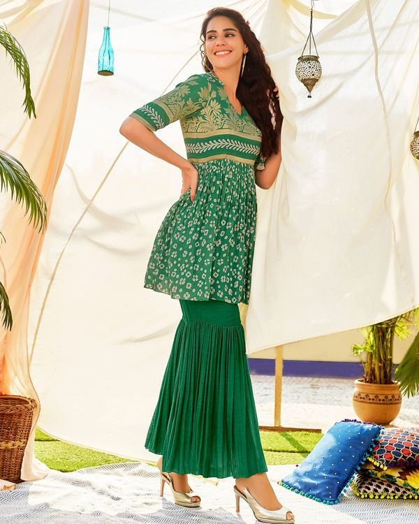 Green linen georgette kurta and sharara - set of two 1