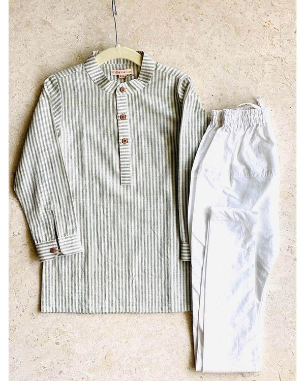 Off white and grey striped kurta with pyjama and bandi jacket - set of three 1