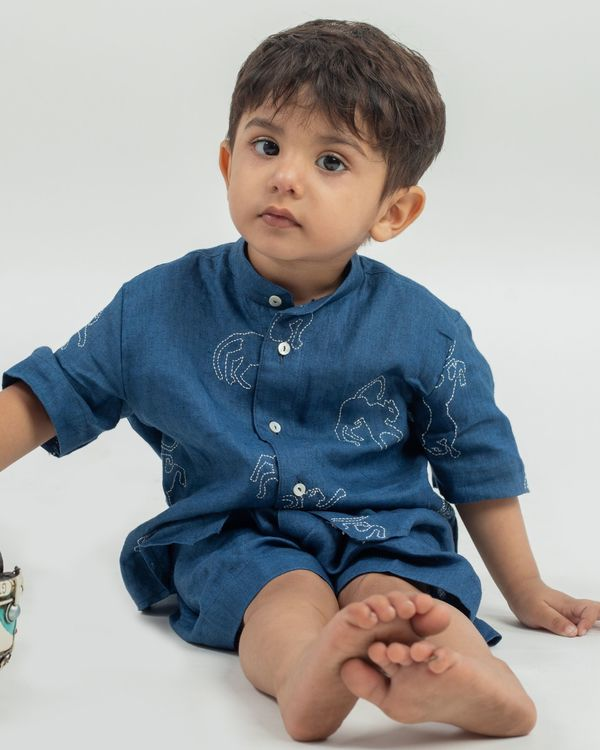Blue animal hand embroidered shirt and shorts with bucket hat - set of three 1