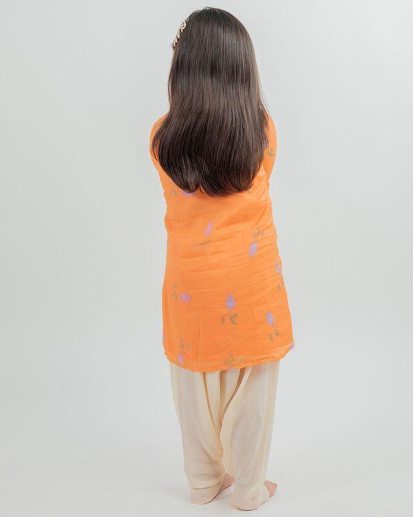 Orange digital print kurta and beige dhoti pants - set of two 2
