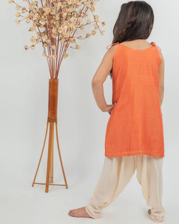 Orange chanderi floral kurta and beige muslin dhoti pants - set of two 2