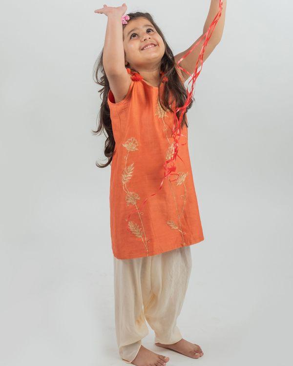 Orange chanderi floral kurta and beige muslin dhoti pants - set of two 1