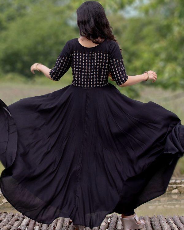 Black flared yoke printed dress 5