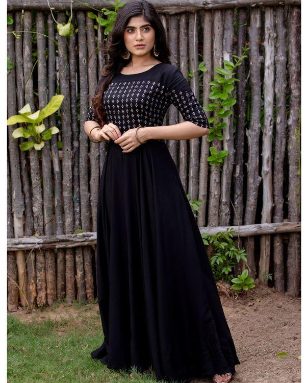 Black flared yoke printed dress 3