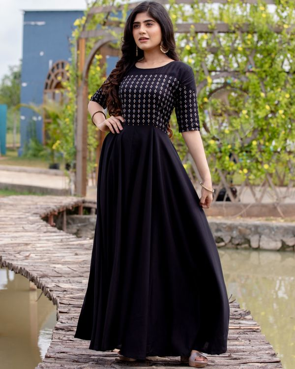Black flared yoke printed dress 2
