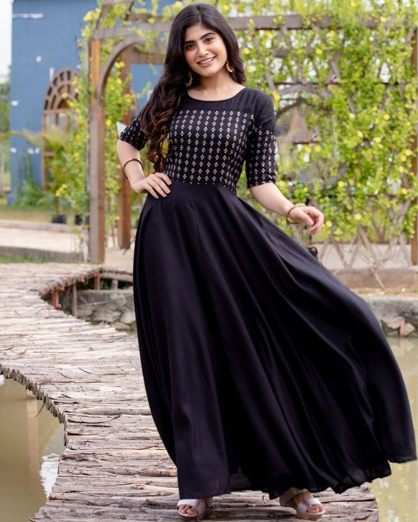 Black flared yoke printed dress 1