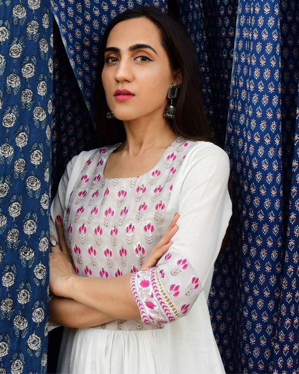 Pristine white mulmul hand block printed mughal yoke kurta and mulmul slip with mulmul palazzo - set of three 3