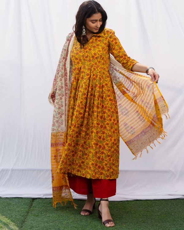 Mustard floral jaal kurta and red palazzo with pure cotton chanderi hand block printed duppatta - set of three 1