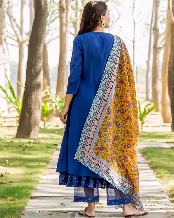 Azure blue embroidered and layered suit set - set of three 4