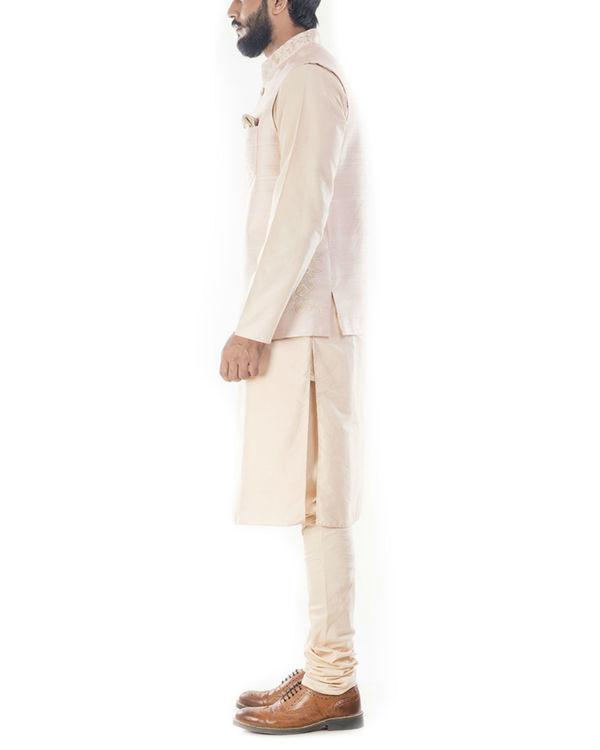Light beige kurta with peach jacket 1