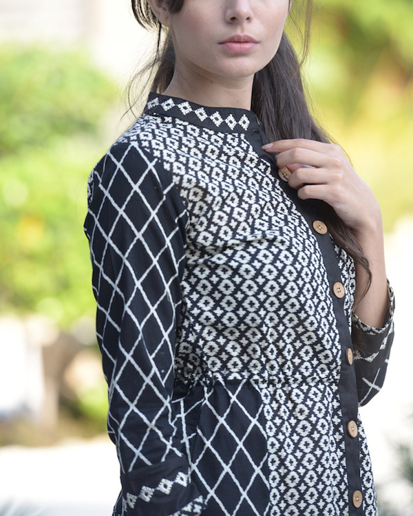 Black and white embroidered tunic 1