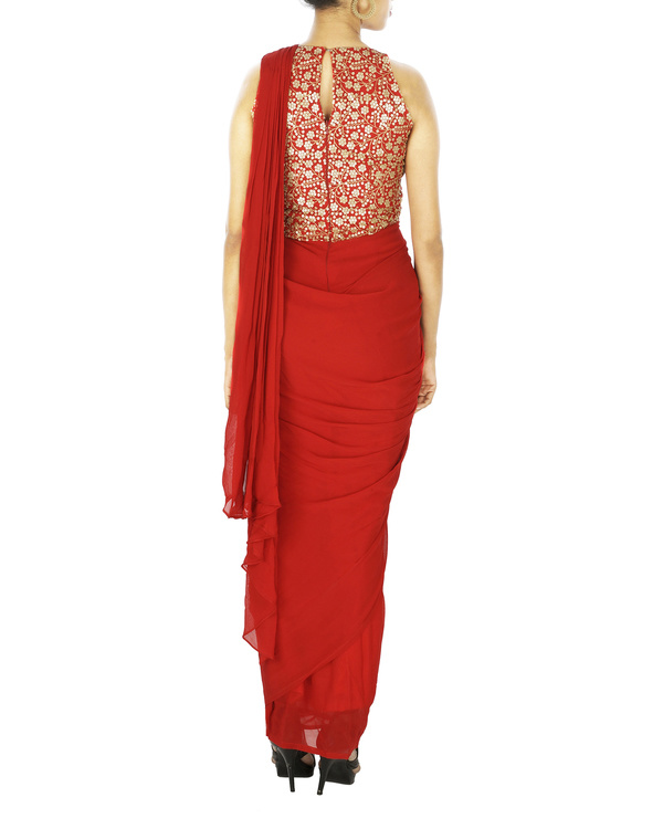Saree gown in georgette with embroidered yoke 1