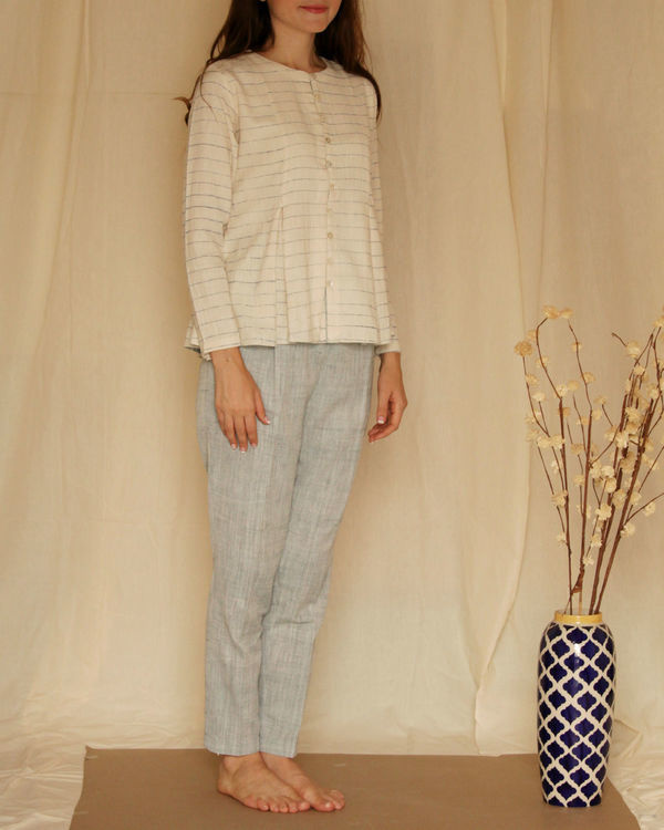 Streaked off-white flared top 2
